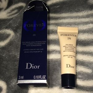 Authentic travel size Dior foundation